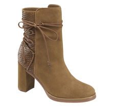 Adley Boot